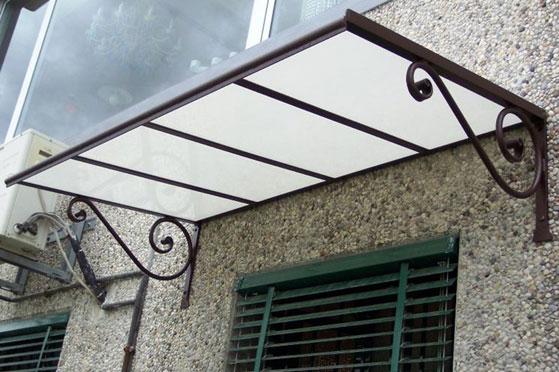 Pensiline e tettoie in acciaio inox legno ferro policarbonato per ambienti esterni finestre tft - Tettoie da giardino in ferro ...